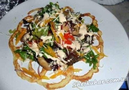 Салат на омлеті