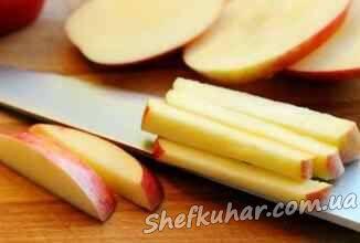 Яблучний салат