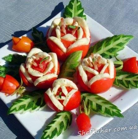 Квіточки з помідора