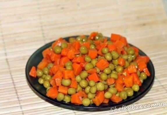 Салаты с морковью и горошком с