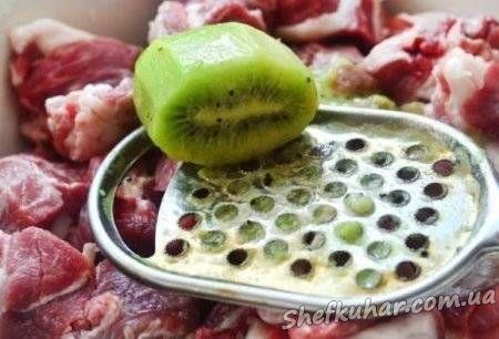 Як приготувати шашлик зі свинини