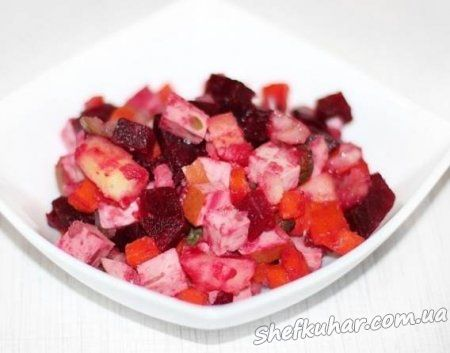 Буряковий салат з ковбасою