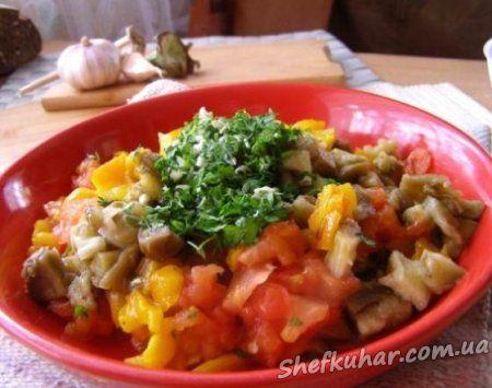 Теплий салат з овочів