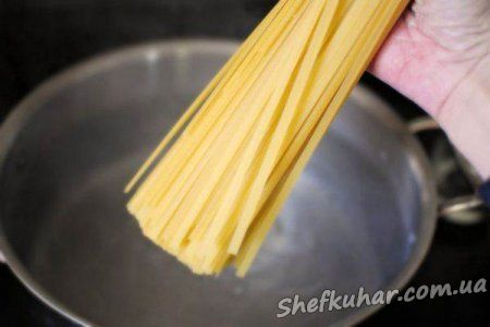 Спагеті з тунцем