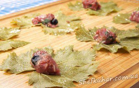 Як приготувати долму з виноградного листя