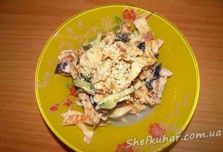 Млинцевий салат з куркою