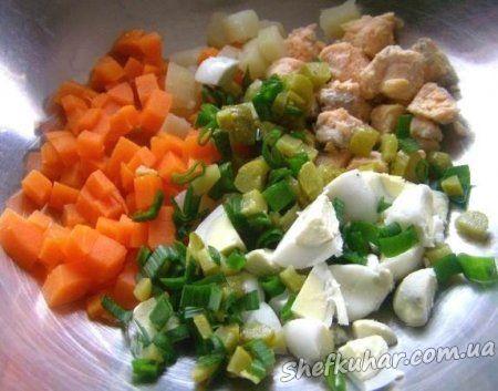 Салат з сьомгою і огірком