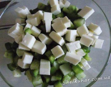 Салат з сирого кабачка з сиром