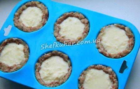 М'ясні кекси з сирно-яєчною начинкою