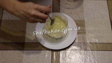 Святковий салат Мімоза з сиром