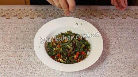 Пісний салат з квасолею