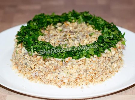 Салат з телятиною і чорносливом