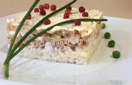 Святковий салат з тунцем