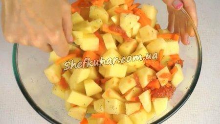 Картопля в духовці в рукаві