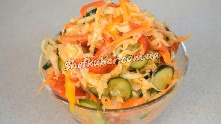 Салат з капусти і огірків на зиму