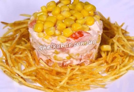 Салат з куркою і картоплею пай
