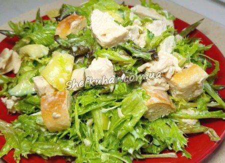 Салат з курячого філе і болгарським перцем