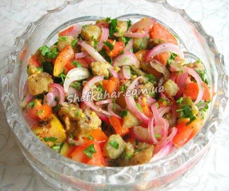 Салат з баклажанів, майонезом і яйцями