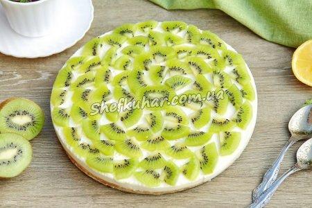 Бісквітний фруктовий торт