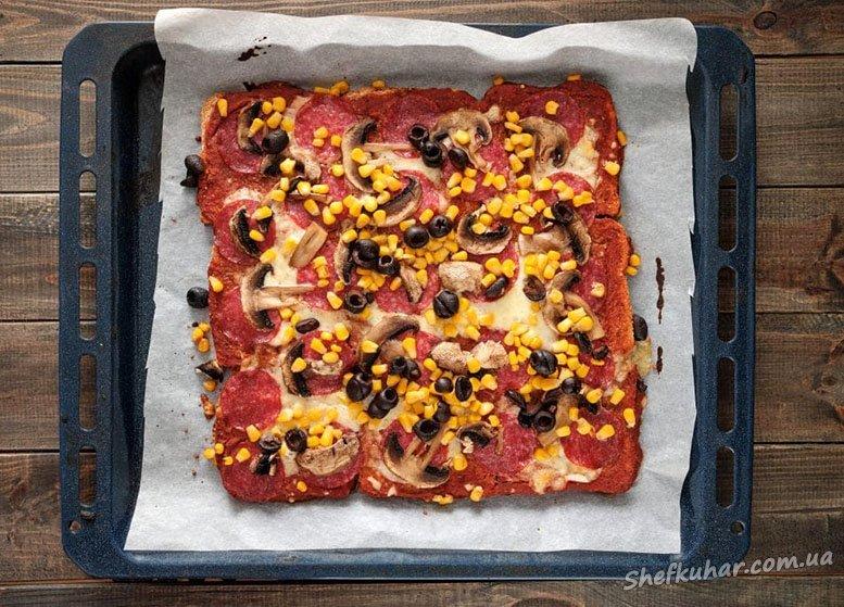 Піца на хлібі в духовці