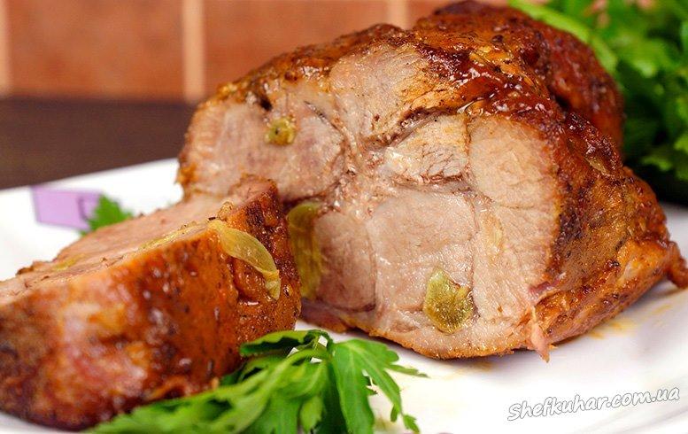Як запекти свинину в духовці